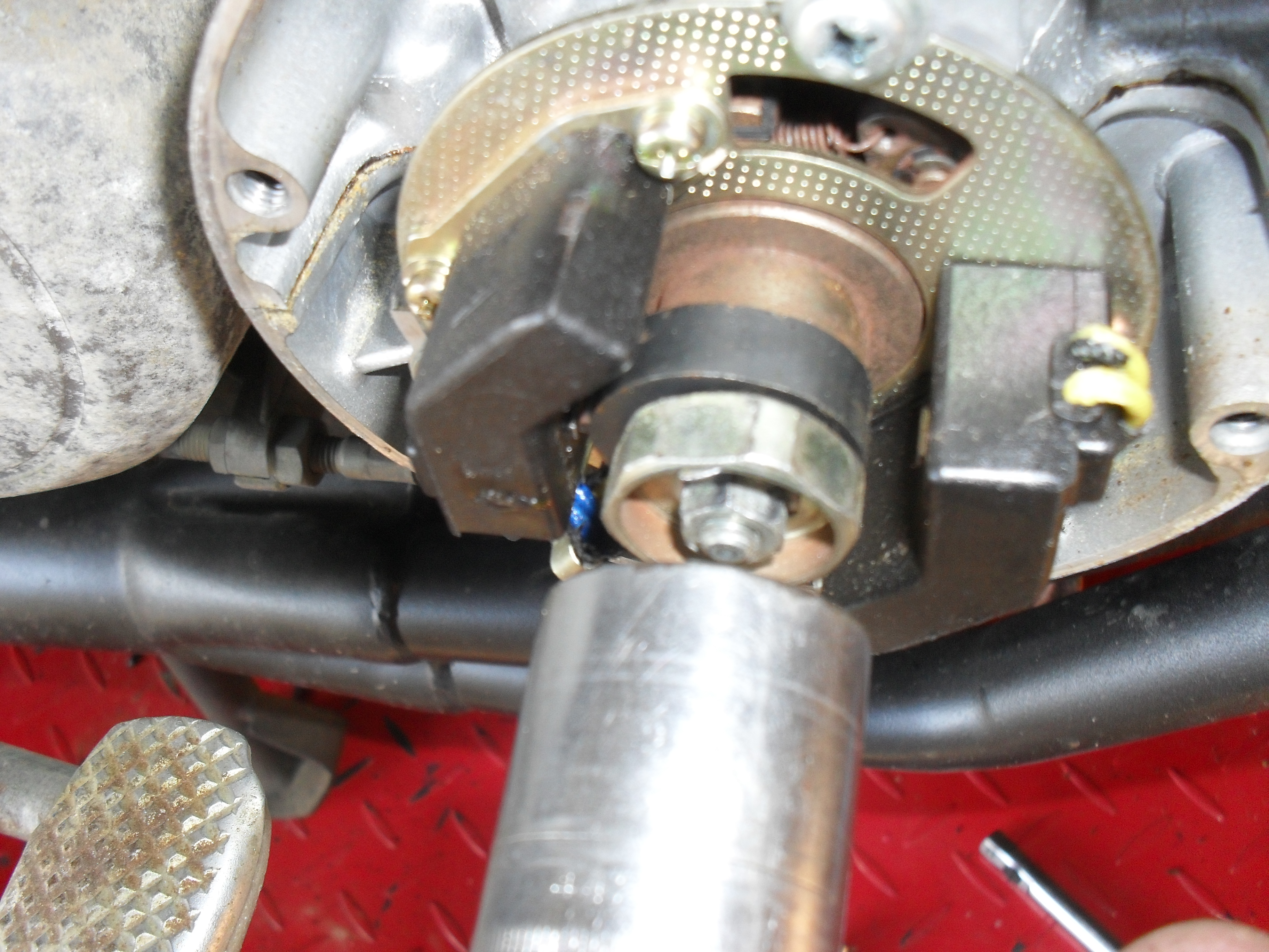 How To Adjust Valve Lash (1980 Honda CB650 SOHC) - Motopsyco's Asylum Crazy about motorcycles!